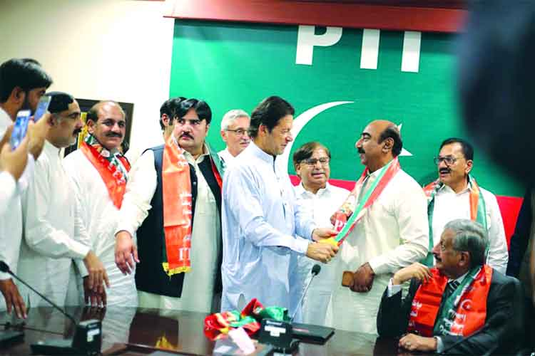 Another wave of PML-N defections to PTI quarters