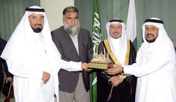 KSA's academic team discusses coop at IIUI