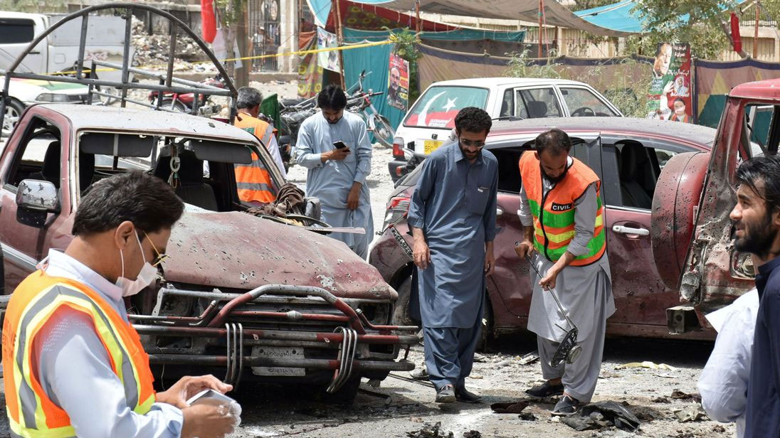 31 martyred in suicide attack outside Quetta polling station, 35 hurt